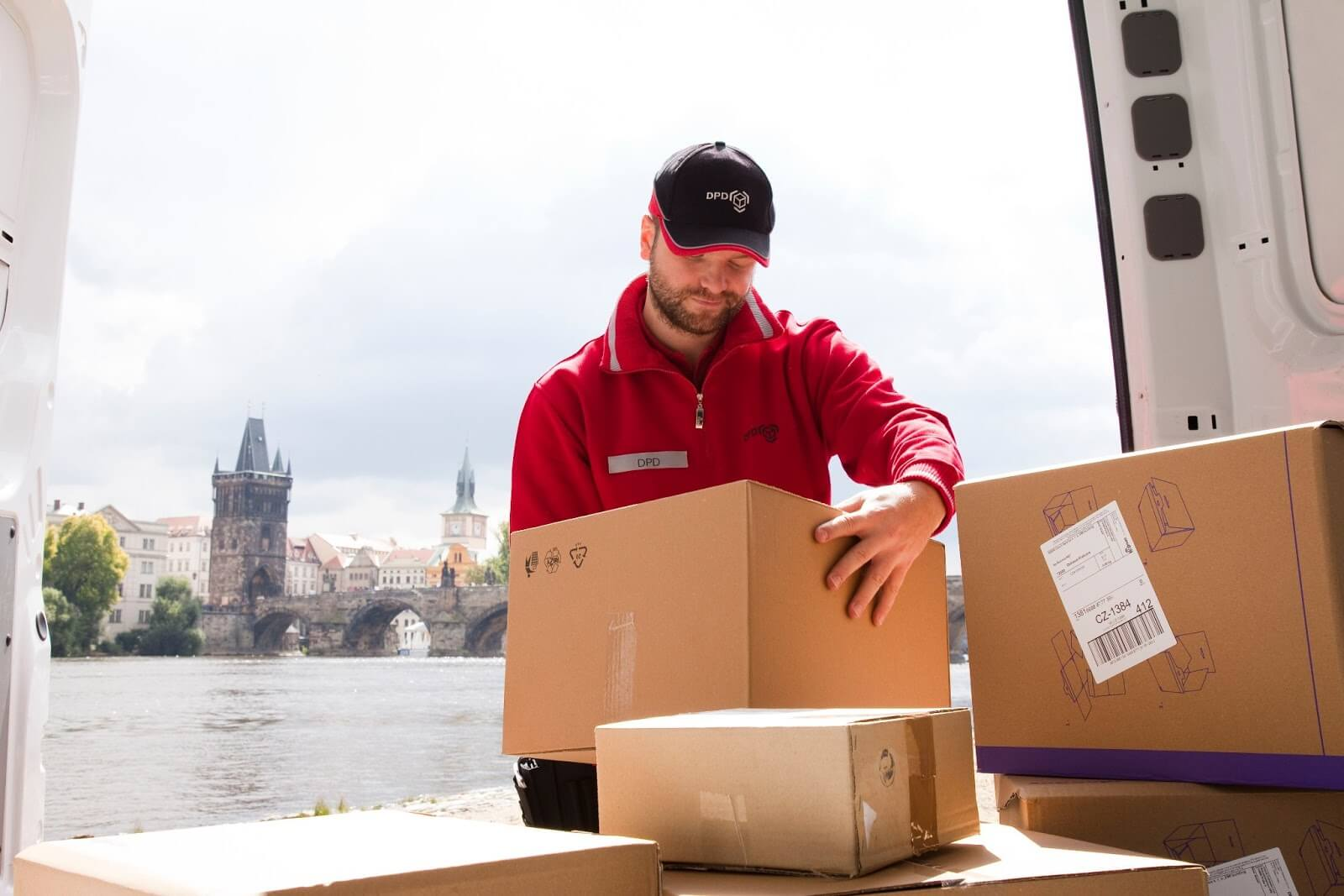 Parcel Delivery jobs and careers on totaljobs. Find and apply today for the latest Parcel Delivery jobs like Driving, Warehouse, Mail and more. We'll get you noticed.